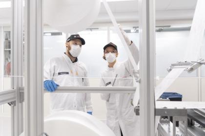 Bosch vytváří masky na obličej.