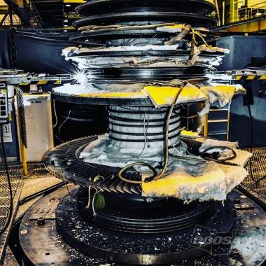 Navařování disků rotoru parní turbíny na specializovaném plně automatizovaném svařovacím standu