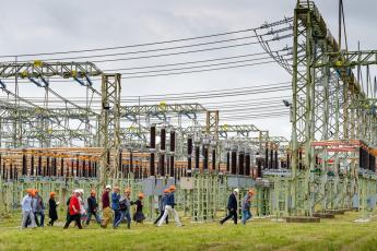 Účastníci tiskové konference využili exkurze v transformovně Řeporyje, která zásobuje elektřinou Prahu a část středních Čech