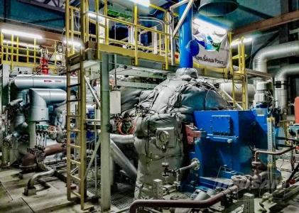 Zdvih turbíny na stavbě (Zdroj: Ørsted Bioenergy & Thermal Power A/S)