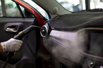 Suchá pára je účinnou a ekologickou alternativou chemického čištění.
