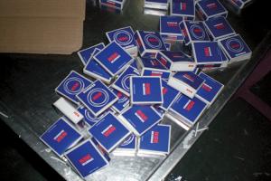 Padělaná ložiska NSK v originálním balení nalezená ve výrobním závodě pirátského výrobce