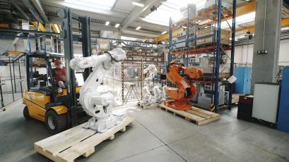 ABB recykluje a repasuje tisíce starých robotů