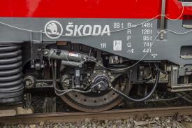 Tlumič při testování na lokomotivě (Foto: archiv Ústavu konstruování)