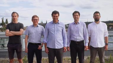 Na fotografii vědci z pražské pobočky ELLIS. Zleva Tomáš Mikolov, Tomáš Pajdla, Josef Šivic (ředitel), Robert Babuška, Torsten Sattler.