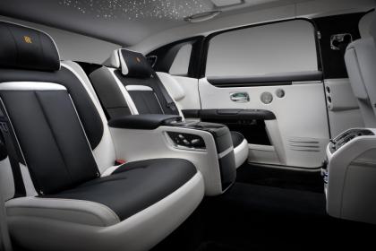 Nárůst délky o 170 mm oproti modelu Ghost, více podélného prostoru pro cestující na zadních sedadlech