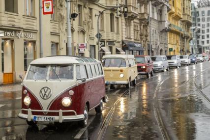 Oslavu sedmdesátin Transporteru nezastavila ani nepřízeň počasí