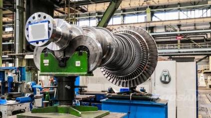 Hlavní zařízení, tedy rotor turbíny, převodovka a generátor už jsou téměř hotové a jejich testování podle plánů projektantů proběhne v následujících týdnech.