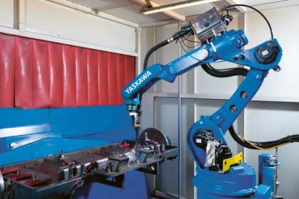 Vysokorychlostní svařovací robot Motoman MA2010 přináší perfektní výsledky svařování