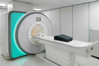 Systémy lineárního vedení od NSK se v praxi u zdravotnické zobrazovací techniky osvědčily svou přesností. /Foto: KaliAntye/Shutterstock.com/