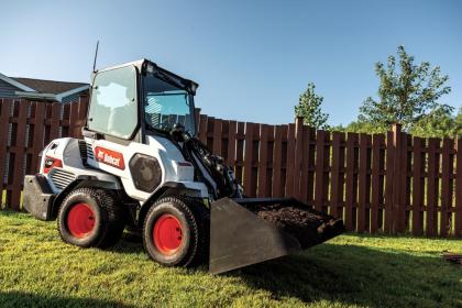 bobcat-l28-small-articulated-loader-(4) 33868