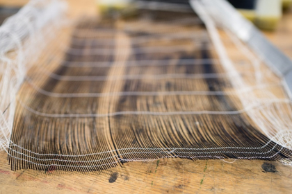 Materiál z dutých polymerních vláken /Foto: Jan Prokopius/
