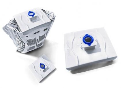 Adaptéry s integrovaným těsněním se vyrábějí ve dvoukomponentním vstřikovacím lisu, a to souběžně na dvou vstřikovacích lisech ENGEL e-victory 160