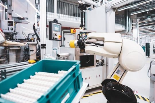 Ihličkové ložiská hrajú veľkú rolu aj v témach budúcnosti, akými sú roboty s ľahkou konštrukciou. Tu zaisťujú potrebnú tuhosť pri malej potrebe miesta.