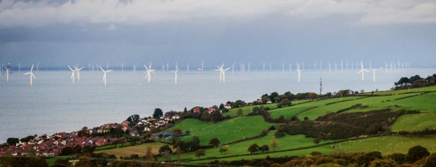 Velká Británie sází v rozvoji své energetiky do značné míry na větrné elektrárny, ve velké míře staví větrné parky v Severním moři