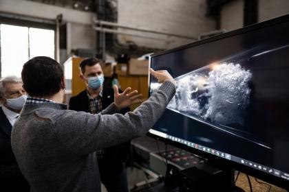 Záběry z rychlokamery ukazují fyzikální jev zvaný kavitace /Foto Jan Prokopius/