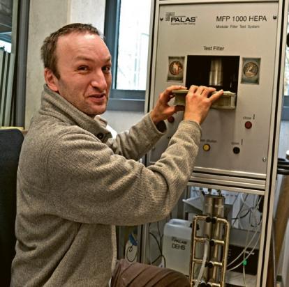 Jakub Hrůza z Ústavu pro nanomateriály, pokročilé technologie a inovace (CxI) TUL