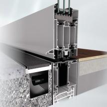 Dveřní systém Schüco AD UP splňuje standardní požadavky na vchodové dveře, jako je vodotěsnost a propustnost vzduchu.