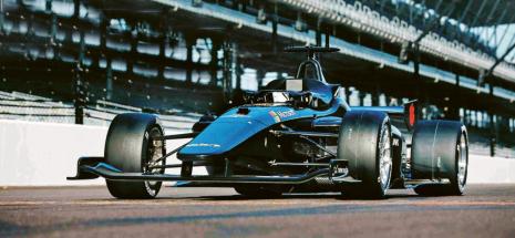 První autonomní závodní automobil na světě – Dallara Il-15