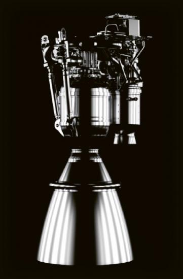 Motory Merlin, vyvinuté pro Falcony 1, 9 a Heavy, používají RP-1 a kapalný kyslík jako raketová paliva v energetickém cyklu generátoru plynu