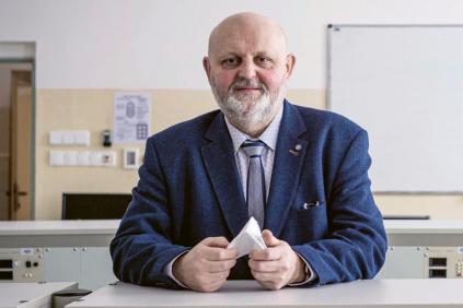 Jaroslav Semerád, ředitel SPŠSE a VOŠ Liberec: Letos poprvé otevřeme pro první ročníky dvě třídy informačních technologií místo jedné, dohromady pro 60 studentů.