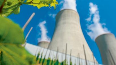 Chladicí věže elektrárny Dukovany /Foto: ČEZ/