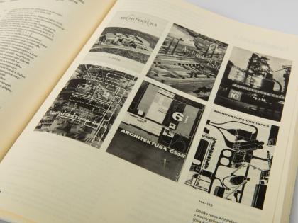 Kniha Hledání univerzality (foto Gabriel Fragner)
