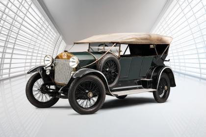 Model RK/M z roku 1921 měl oproti původní specifikaci (1913) s motorem Knight čtyřválec s rozvodem OHV o objemu 4,7 litru a výkonu 75 koní. Dosahoval rychlosti až 125 km/h.