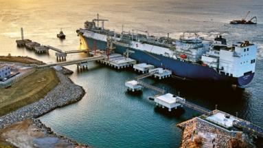 Nový terminál LNG u ostrova Krk je v provozu