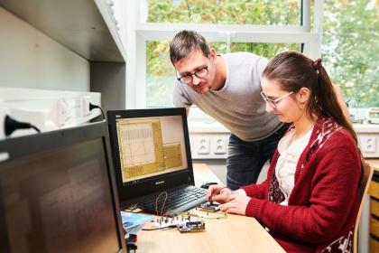 Domácí laboratoř LEO (Little Embedded Oscilloscope)