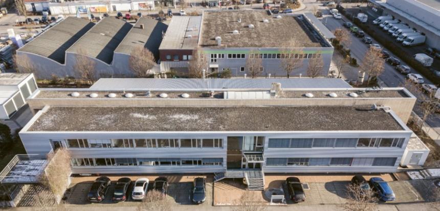 Od roku 2014 nabízí HMG své služby z Ottobrunnu