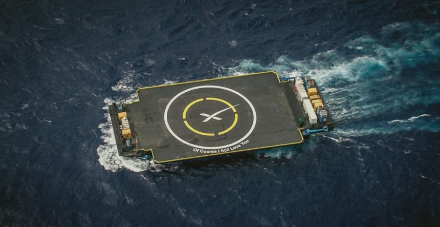 """Plovoucí plošina SpaceX """"Of Course I Still Love You"""" v Atlantiku. Trefte se na ni z vesmíru! Foto: SpaceX"""