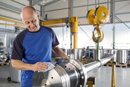 Čisticí utěrky MEWA v praktickém systému pronájmu udržují čistotu v průmyslových a řemeslných podnicích, na rozdíl od jednorázových ale nezatěžují životní prostředí. Foto: MEWA