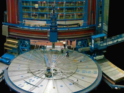 Obr. 2: Těžké obráběcí centrum SKDY 150/160D (ČKD Blansko-OS)