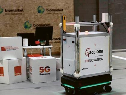 Autonomní 5G robot pro dezinfekci průmyslových zařízení