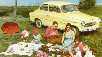 Před 25 lety oživila ŠKODA AUTO tradiční zvučné typové označení OCTAVIA. V období 1959 až 1971 je neslo více než 280 000 vozů ŠKODA s motorem vpředu a pohonem zadních kol, včetně provedení OCTAVIA COMBI.