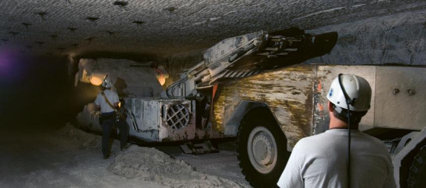 Stavba trvalého úložiště jaderného odpadu WIPP v Novém Mexiku pro potřeby ukládání jaderného odpadu ozbrojených sil USA ¨/Foto: US DoD/